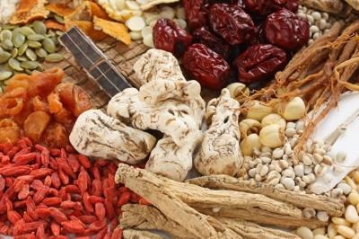 2 bài thuốc Đông y xông rửa vùng kín điều trị viêm cổ tử cung hiệu quả